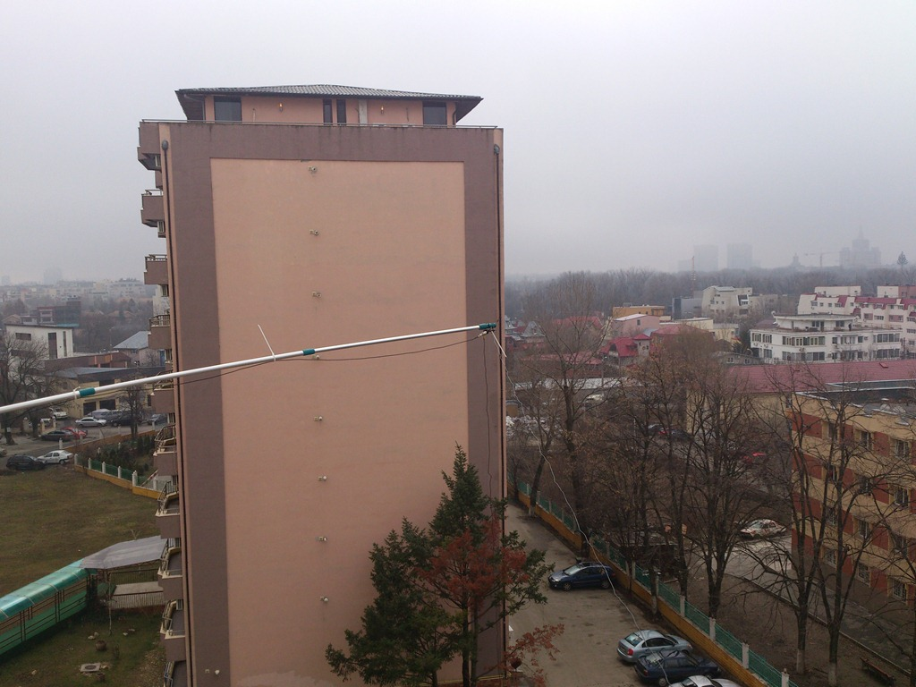 The pole antenna